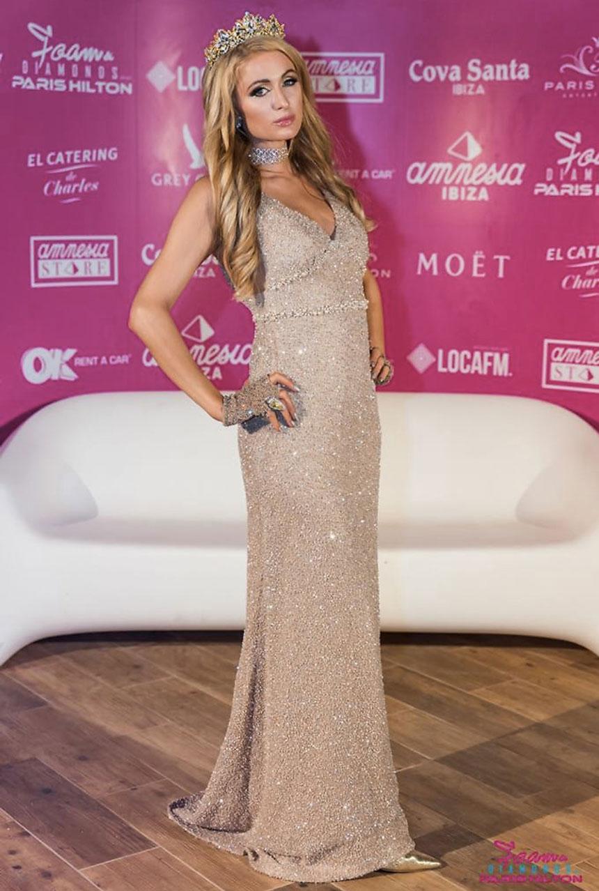 Paris Hilton Foam and Diamonds 2017